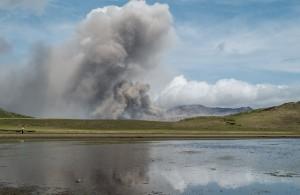 噴火で家が被害を受けたら、保険は使える?